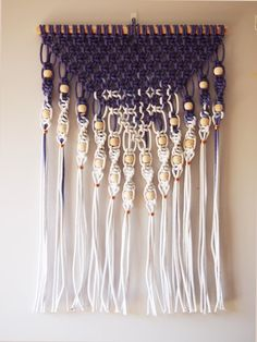 ouch flower: Dip Dyed Macramé Wall Hanging