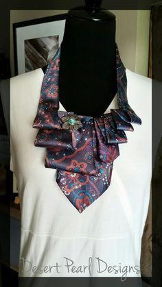 Ascot floral scarflette, collar de corbata, corbata de la mujer, reciclado joyas, joyas únicas, regalo para ella, ware cuello de corbata, corbata de reciclado
