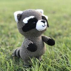 Maurice the raccoon amigurumi pattern by Sundot Attack