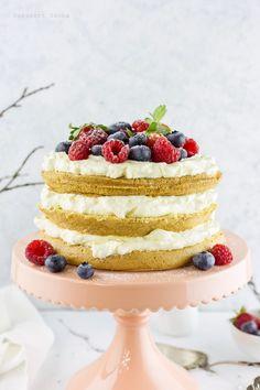 Mascarponés torta gyümölccsel - DESSZERT SZOBA Vanilla Cake, Food, Mascarpone, Essen, Meals, Yemek, Eten
