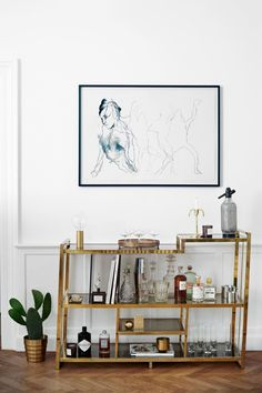 """Excellent """"bar cart decor inspiration"""" information is offered on our site. Read more and you wont be sorry you did. Style At Home, Hm Home, Bar Furniture, Furniture Design, Bar Cart Decor, Scandinavian Home, Home Fashion, Home And Living, Interior Inspiration"""