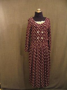 Costumes/20th Century/1930's/Women's Wear/1930's Women's Dresses/09026935 Dress 1930's purple cream floral rayon B38 W34