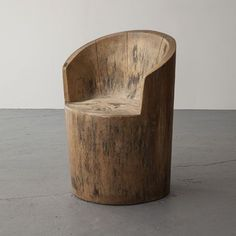 Interior Design Addict: Jose Zanine Caldas, Brazil, via R Modern Wood Chair, Wood Chair Design, Furniture Design, Modern Chairs, Design Desk, Furniture Projects, Log Chairs, Outdoor Chairs, Dining Chairs