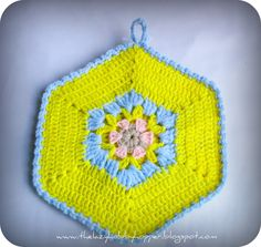 The Lazy Hobbyhopper: Hexagon potholder