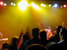 Op vrijdag 30 september wordt er voor de 8e keer 'het grote U2' muziekfeest gehouden in Exloo. Sander Brandsen, voormalig gitarist van U2 keert in Exloo terug met zijn eigen band U2ONE.  Lees verder op onze website.