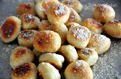 Do you need a perfect snack for the big game? These Pretzel bites will hit the spot for sure. You can make a combination of Parmesan bites with a Cheese dipor Cinnamon and Sugar bites with a Vanilla glaze for dipping.I've finally used up my supply of Rhodes Roll dough . . . until I buy…