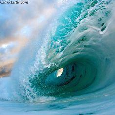 #hawaii #shorebreak #power #clarklittle Nikon d300/sb800 #Padgram