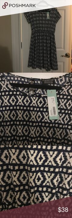 NWT stitch fix dress by Papermoon. Dress is a size medium with a navy and white geometric print. Dress has beautiful lace details on sleeve. A-line shape with elastic waist band. Pet free and smoke free home. Looks great with tights and booties. Papermoon Dresses Midi