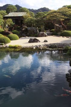 By Yuichi Azuma via Google + Adachi Museum, Zen Rock Garden, Japan Design, Japanese Gardens, Garden Design, Oriental, Google, Water, Outdoor
