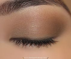 """UD Naked palette matte look - """"Naked"""" wash over entire lid - """"Buck"""" outer V and blend into crease"""