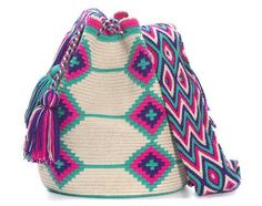 Caracas Bag Crochet Purses, Crochet Yarn, Crochet Stitches, Mochila Crochet, Tapestry Crochet Patterns, Crochet Classes, Ethnic Bag, Tapestry Bag, Boho Bags