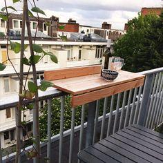 Die BALKONBAR ist die Lösung für Ihren Balkon. Die BALKONBAR ist eine einzigartige Balkontisch von niederländischem Boden, die Sie Ihrem Balkon optimal nutzen kann.