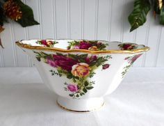 Footed Bowl Royal Albert Old Country Roses Round 1990s Pedestal 6.75 Inches