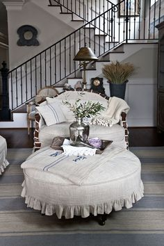 french-settee #frenchdecor
