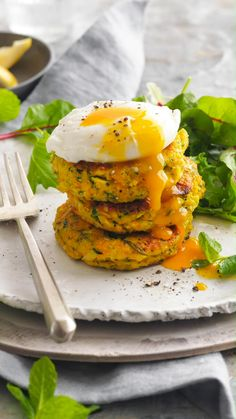 Egg Recipes, Diet Recipes, Vegetarian Recipes, Cooking Recipes, Healthy Recipes, Veggie Fritters, Healthy Snacks, Healthy Eating, Health Dinner