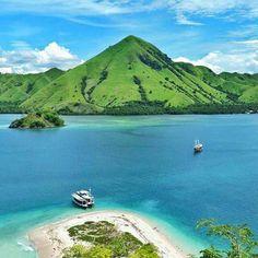 Pulau Kelor, Flores, Nusa Tenggara Timur.