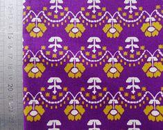 coupon tissus fleuris fleurs fantaisie rétro vintage jaune et violet coton 100x110 cm