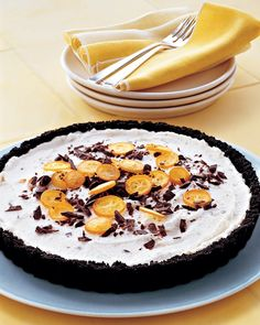 Add something unexpected to your next icebox pie by incorporating thinly sliced kumquats and chopped bittersweet chocolate. Fold them into a fluffy, whipped ricotta and cream filling, then scatter them on top for garnish.