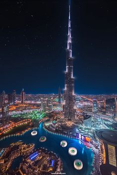 Burj Khalifa, Dubai / Twisted Dance by Rilind H Syed. Palmeninsel Dubai, Dubai City, Dubai Hotel, Amazing Buildings, Amazing Architecture, Modern Buildings, Landscape Architecture, Building Architecture, Circuit Voyage