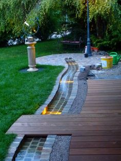 Most up-to-date Photos garden stream Ideas Small Water Features, Water Features In The Garden, Diy Water Feature, Succulents In Containers, Container Flowers, Container Plants, Water Garden, Garden Pond, Garden Stream