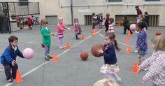 Ce mois-ci, nous avons découvert les ballons et fait de nombreux jeux collectifs (avec ou sans ballons).   Nous avons tout d'abord découvert... Activity Games For Kids, Yard Games, Physical Education, Ballons, Physique, Tapas, Animation, Classroom, Sports