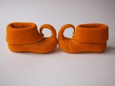 Goldene Elfen Schuhe für Kinder, Hausschuhe von VIktorija Filz auf DaWanda.com