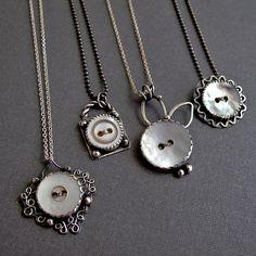 ButtonArtMuseum.com - Vintage Button Necklaces