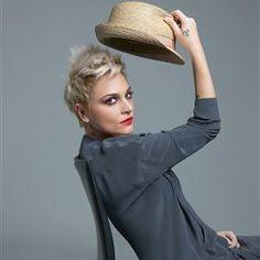 Cover Photos, Interview, Club, Facebook, Fashion, Moda, Fashion Styles, Fashion Illustrations