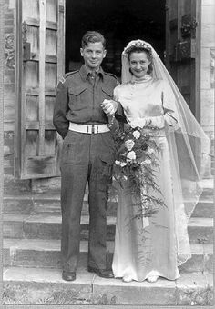 Vintage wedding 1940s.