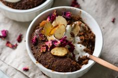 Healthy Almond Chocolate Mug Cake. This chocolate mug cake is ready in MINUTES! Gluten grain and dairy free a healthy super easy to make sweet treat! Microwave Chocolate Cakes, Healthy Chocolate Mug Cake, Chocolate Mugs, Almond Chocolate, Chocolate Recipes, Paleo Dessert, Healthy Dessert Recipes, Healthy Snacks, Meatless Recipes