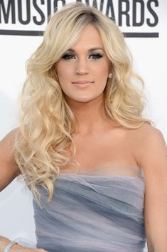 carrie underwoods hair color 2012 - - love this style and color maybe i will stay blonde :)