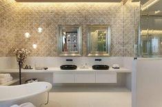 Modern bathroom by Denise Barretto Arquitetura Small Bathroom Renovations, Bathroom Trends, Contemporary Bathrooms, Modern Bathroom Design, Dream Bath, Classic Bathroom, Interior Exterior, House Design, Loft