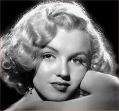 Marilyn Monroe,a beautiful, young photo of her.