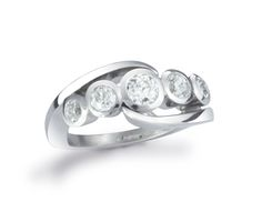 5 stone inwards spiky ring. Handmade platinum and diamond engagement rings. 1.2ct ring with 1x 4.5mm, 2x 4mm and 2x 3mm Fvs diamonds.