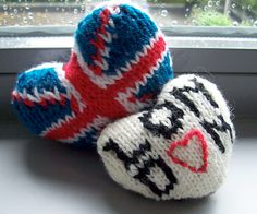 Spreading the love a little more Petra Thiemer from Belgium has joined the original pattern maker, Kaja  Kaja Marie Lereng Kvernbakken, to create this free Union Jack Lovedon Heart Knitting Pattern to give the whole of England a little love.  The hearts are now part of a series and Kaja Marie has created an eBook For the Love of... for them all on Ravelry.  You can even add your own if you come up with a good one by emailing her (details on the eBook page).