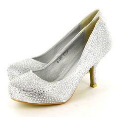Wedding Shoes Low Heel Bridal Ideas For 2019 Kitten Heel Shoes, Low Heel Shoes, Shoes Heels, Silver Heels Wedding, Bridal Party Shoes, Shoes 2014, Prom Heels, Trendy Wedding, Dream Wedding