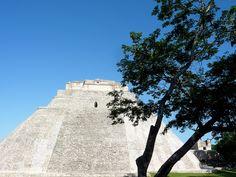 Uxmal, rodeada de leyendas, mitos y anecdotas