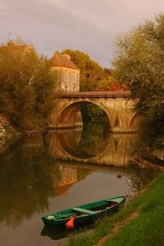 Burgundy, France - Double click on the photo to get or sell a travel guide to #France