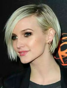 Short Hairstyles for Women over 40 with Fine Hair - hair styles for short hair Short Bob Haircuts, Short Hairstyles For Women, Straight Hairstyles, Cut Hairstyles, Blonde Hairstyles, Hairstyle Short, Haircut Short, Hairstyle Ideas, Haircut Styles