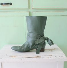 1980s GREEN LEATHER Ankle Boots....size 7 by retroandme on Etsy