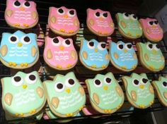 Owl cookies using a tulip cookie cutter - oh, love these!