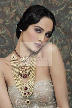 Bushra Aftab, Victorian Blend