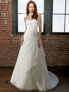 A-Line Sweetheart Strapless Chiffon Wedding Dress with DelicateBeading