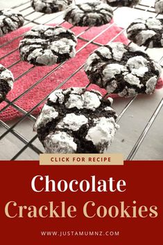 Chocolate Crackle Brownie Biscuits These Chocolate Crackle Cookies are easy, delicious and fudge like a brownie. I bring you the best recipes, they are chewy and simple. Chocolate Crackle Cookies, Cocoa Cookies, Crinkle Cookies, Yummy Cookies, Chip Cookies, Delicious Cookie Recipes, Best Cookie Recipes, Baking Recipes, Simple Cookie Recipes
