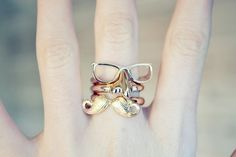 Mustache and Glasses rings Jewelry Box, Jewelery, Jewelry Accessories, Weird Jewelry, Girls Accessories, Hipster Rings, Leather Espadrilles, Cute Rings, Funky Fashion