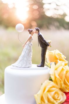 confetti-cake-toppers-wanderlust creative_210
