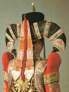 theuniversemocksme: Mongolian traditional folk costume