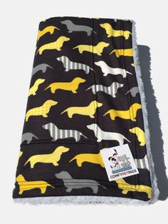 Doxie Dachshund Blanket, Weenie Dog Bedding, Dachshund Gifts, Dog Crate Bed, Pet Blanket, Stroller Blanket, Toddler Nap Blanket, Dog Bed #CrateBlanket #ToddlerNapBlanket #WeenieDogBedding #PetBlanket #DogBed #DogCrateBed #comfypetpads #DachshundGifts #StrollerBlanket #UnisexBabyGifts