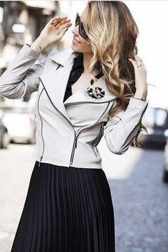 #fashion #fashionista #fashionblogger #fashionable #fashiondiaries #fashionaddict #style #styleblogger #stylish #streetstyle #styles #stylist #streetfashion #skirt #black #blonde #blondie #cute #casual #casualstyle #womensfashion #womenswear #passion #glasses #perfect