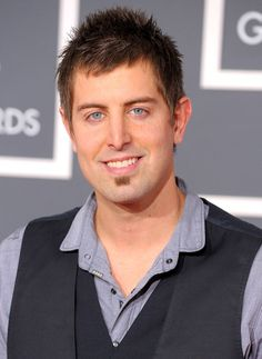 Jeremy Camp - Great Christian artist and my hero. Definitely someone that i look up too I Love Music, Music Is Life, Christian Singers, Christian Artist, K Love Radio, Jeremy Camp, Praise And Worship Music, Contemporary Christian Music, Song Artists
